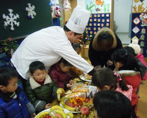 安吉县艺术幼儿园开展家长助教活动