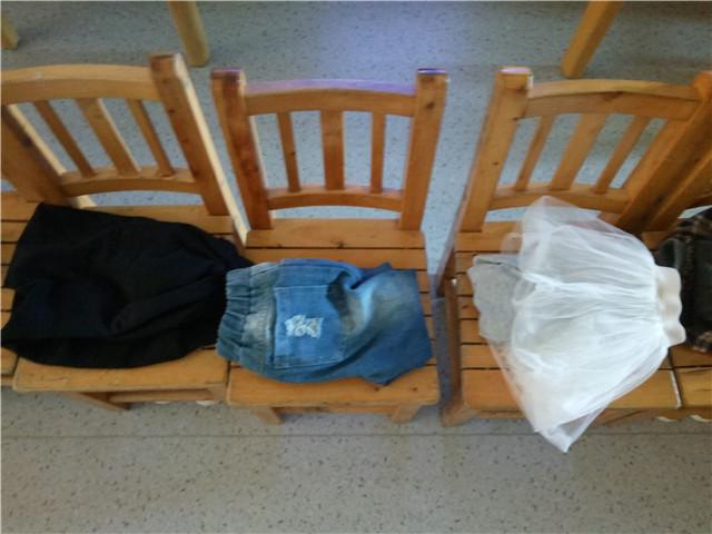 因为折叠裤子对孩子来说是要天天重复的劳动