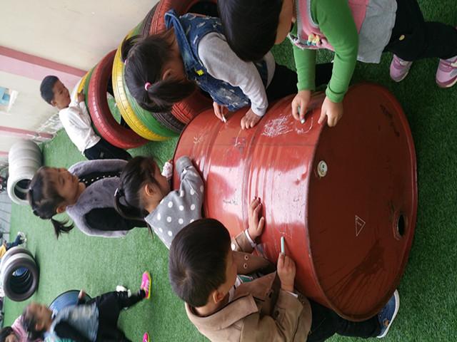 展油桶涂鸦活动